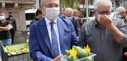 Edremit Belediyesi'nde 25 Yıl Sonra İlk Hasat Sevinci Edremit Belediyesi Tarıma Yöneldi