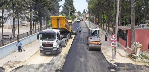 Büyükşehir çalışıyor, yollar asfaltlanıyor