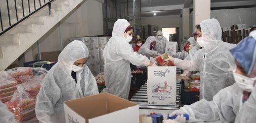 Adana Büyükşehirden harıl harıl sosyal yardım çalışması