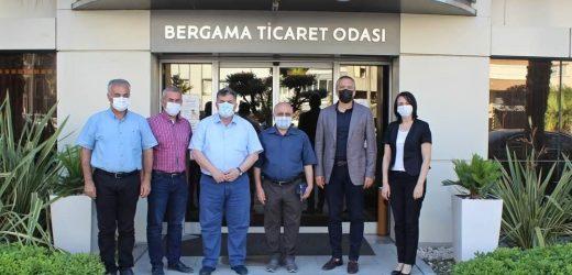 Kınık  Kaymakamı Erol Türkmen ile Kınık Belediye Başkanı Dr. Sadık Doğruer, Bergama Ticaret Odasını ziyaret etti.